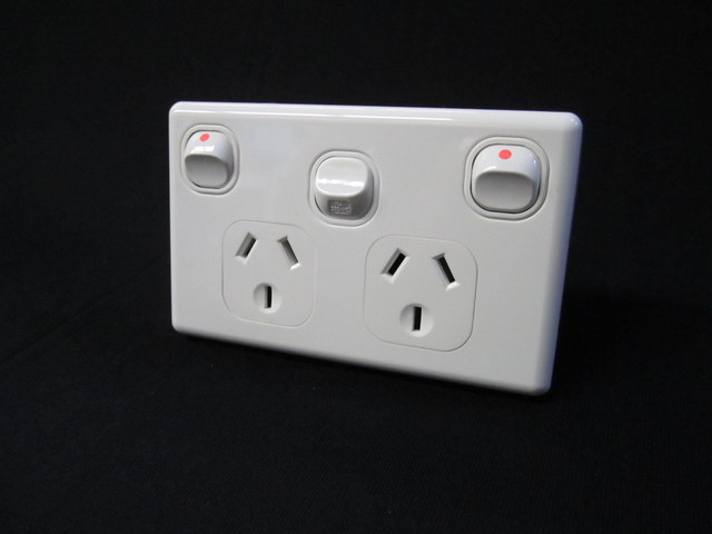 Double power point extra switch