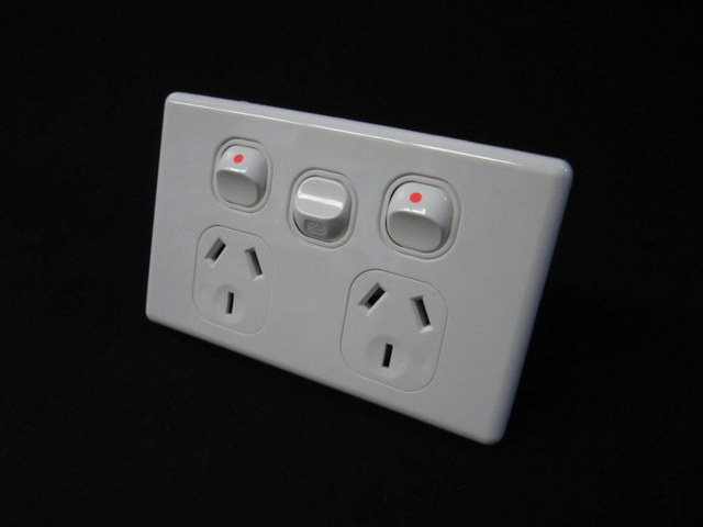 Double power point extra switch, thin series