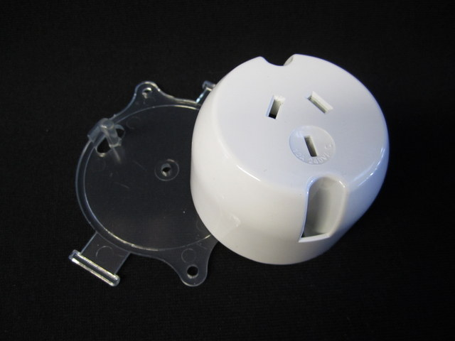 Single socket plug base, 10A clear base